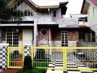 Teresa Park Las Pinas City House & Lot for Rush Sale
